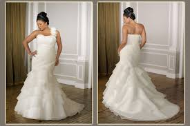 wedding dress for curvy how to find the wedding dress for you curvy