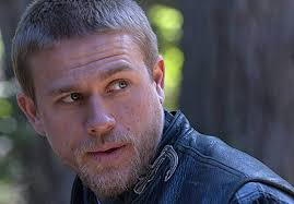 how to get thecharlie hunnam haircut apos sons of anarchy apos season 4 pics jax apos s new haircut