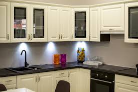 what are the easiest kitchen cabinets to clean the easiest and best way to clean painted kitchen cabinets