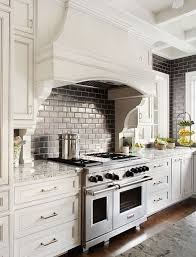 Kitchen Vent Hood Designs by Best 20 Traditional Kitchens Ideas On Pinterest Traditional