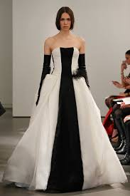 vera wang spring 2014 bridal light ivory and black strapless silk