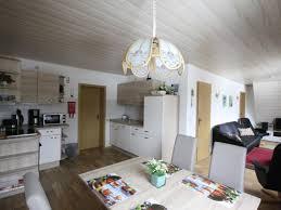 Wohnzimmer Mit Vielen Fenstern Einrichten Ferienwohnung Panoramablick Erzgebirge Frau Andrea Green