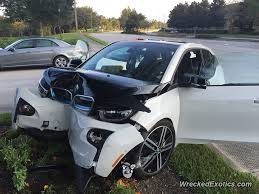 bmw i3 crashes into tree passenger compartment appears untouched