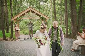 Pocono Wedding Venues Vintage Bohemian Mountain Wedding Carolyn Trevor Green