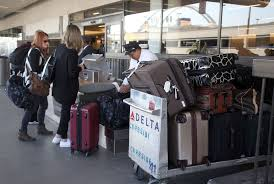 United Bag Check Fee Luggage Can Put Heavy Hit On Your Wallet La Times