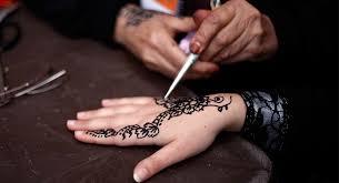 gaza women revive henna tattoo tradition