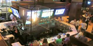 Top 10 Bars In The World Top 10 Sports Bars In The U S Huffpost