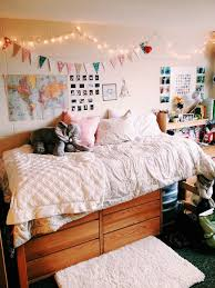 Dorm Interior Design by 25 Of The Most Well Designed Dorm Rooms Perfect For Decor