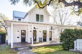modern farmhouse in bouldin creek asks 1 25m curbed austin
