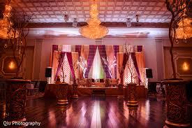 wedding backdrop canada ontario canada wedding by qiu photography maharani