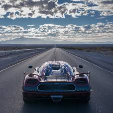 koenigsegg winter koenigsegg beats bugatti u0027s speed record the week uk