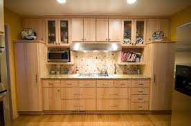 Lovely Natural Maple Kitchen Cabinets Granite Endearing - Natural maple kitchen cabinets