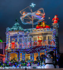 newport local news homeowners go all out for ring of lights