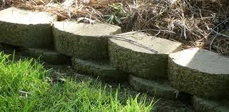 How To Cut Patio Pavers Without A Saw How To Build A Stackable Block Retaining Wall Today U0027s Homeowner