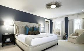 parquet blanc chambre lustre noir et blanc fenêtre de cadre gris tapis fourrure blanche