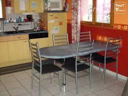 table de cuisine sur mesure table de cuisine sur mesure cuisine avec arlot central et bar à