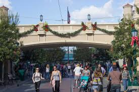 When Is Disney Decorated For Christmas Disneyland California Adventure Start Looking To Christmas With
