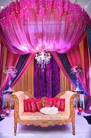 Hindu Wedding Supplies Best 25 Indian Wedding Stage Ideas On Pinterest Desi Wedding