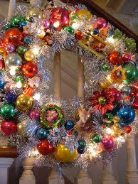 Images Of Decorated Christmas Wreaths by Best 25 Vintage Wreath Ideas On Pinterest Book Wreath Vintage