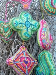 39 felt ornament crafts to trim the tree