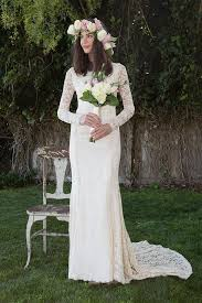 classic lace wedding dress with long sleeve stretch embroidered