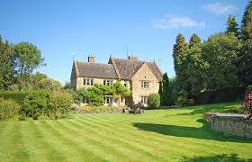 Cottages For Rent In Uk by Group Holidays And Large Cottages To Rent Holidaycottages Co Uk
