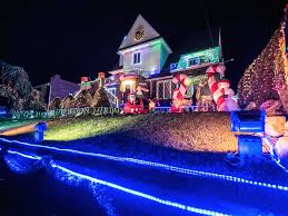 cost to have christmas lights put up dyker heights christmas lights 2017 guide and how to get there