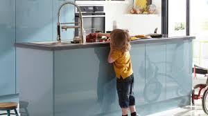 plan de cuisine avec ilot cuisine moderne pour petit appartement