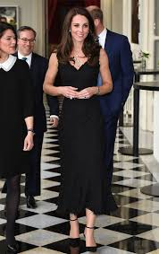 kate middleton dresses kate middleton s dress in stuns in frock pearls like