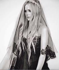 avril lavigne black wedding dress avril lavigne wedding pictures avril lavigne chad kroeger
