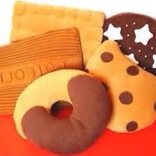 cuscino pan di stelle bellissimi cuscini a forma di biscotto gocciole pan di e a depop