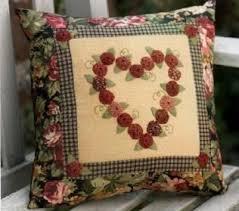 cucire un cuscino idee cucito per decorare un cuscino con pourfemme