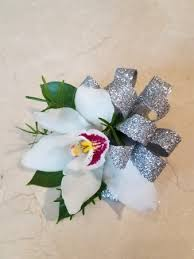 corsages and boutonnieres for prom ace and tj s 2nd chance prom corsage and boutonniere select