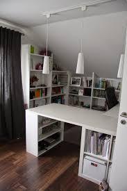 Schreibtisch 3 Meter Computertisch Selber Bauen Sehr Groß Und Modern Im Arbeitszimmer