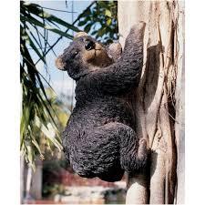 amazon com design toscano yonva the climbing bear sculpture