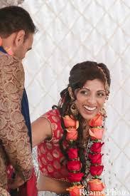 Flower Garland Indian Wedding 84 Best Mehndi Corsages Gajra Images On Pinterest Mehndi