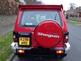 mitsubishi shogun 3 0 v6 manual flared arch 1 lady owner since new