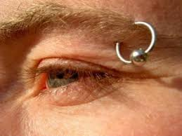 Eyebrow Piercing Without Jewelry Eyebrow Piercing Aftercare And Jewelry