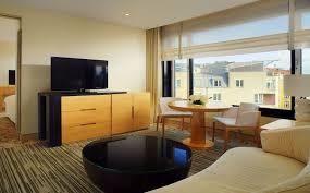 Berlin Wohnzimmer Der Stadt Sauna Suite Im Sheraton Berlin Grand Hotel Esplanade