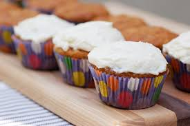 banana bread cupcakes with u201cthat u0027s the best frosting i ever had