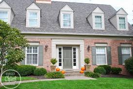 choosing exterior paint colors for brick homes sweet chaos home choosing exterior paint colors help wanted