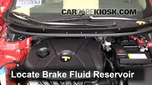 hyundai elantra transmission fluid 2013 2016 hyundai elantra gt brake fluid level check 2013