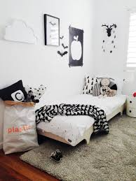 chambre enfant noir et blanc chambre enfant en noir et blanc 25 idées à copier en noir mur