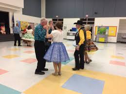 summerlin square dancing gets enthusiasts moving around floor