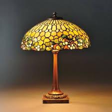 Stained Glass Light Fixtures How To Recognize Quality In Tiffany Lamps Antique Mosaic Glass
