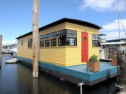 Sleepless In Seattle Houseboat by Haida Houseboat 295 000 Tax Sold Special Agents Realty