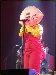 Family Guy Halloween Costume Kelly Clarkson U0027s Halloween Costume Stewie Griffin Photo 2327141
