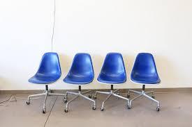 Esszimmerst Le Dunkelblau Blaue Vintage Vinyl Stühle Von Charles U0026 Ray Eames Für Herman