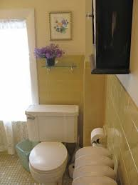 Vintage Bathroom Tile Ideas Colors Best 25 Yellow Tile Bathrooms Ideas On Pinterest Yellow Tile