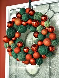 easy yarn and ornament wreath hgtv